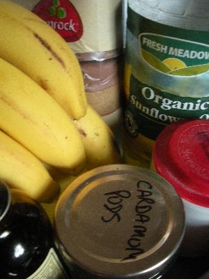 Banana and Cardamom Cake ingredients